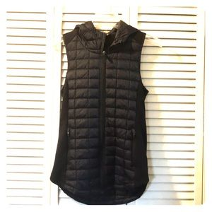 Quilted Black The Northface hoodied vest